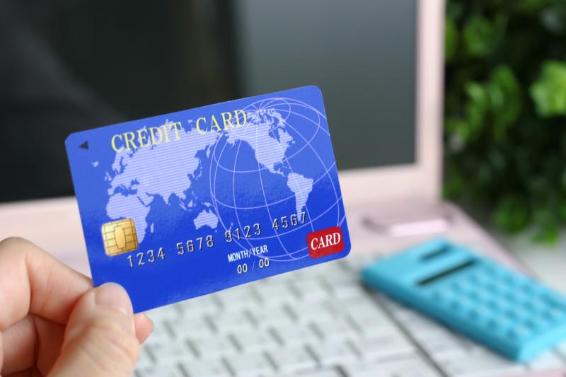 オンラインカジノへの入金クレジットカードイメージ